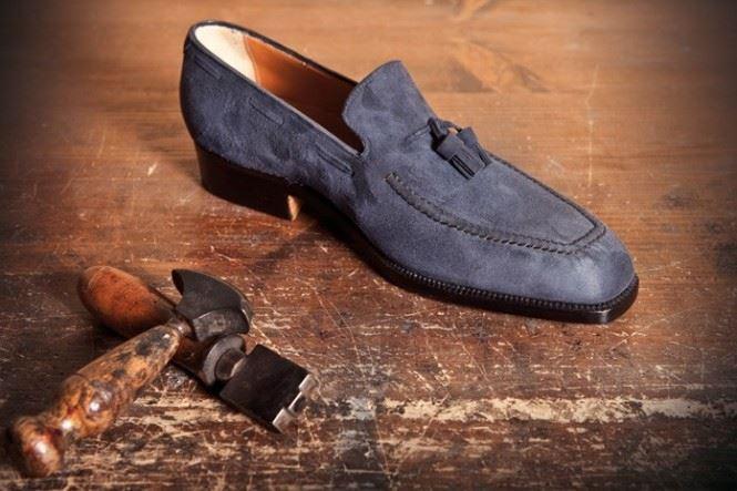 دورة تصميم وصناعة الأحذية يدويا