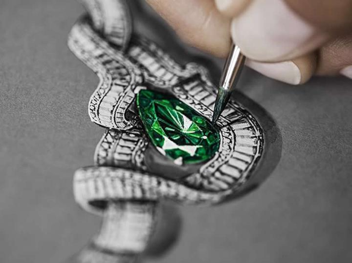 دورة تصميم المجوهرات