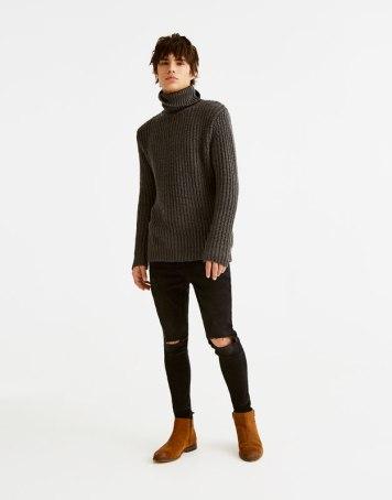 pull&bear High neck sweater 25.99£