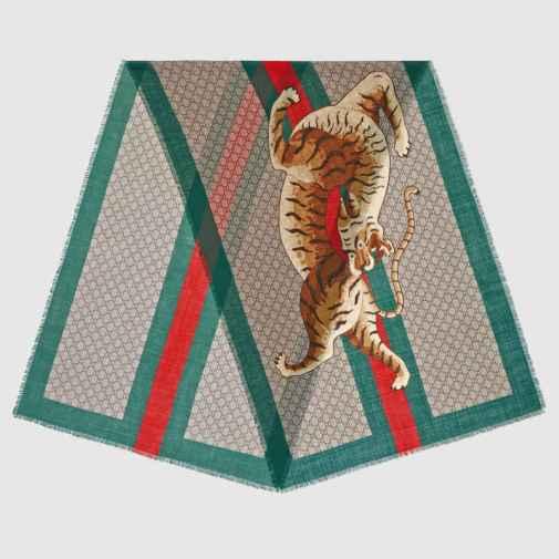 Stola-in-lana-con-stampa-tigre-e-Web Gucci 350EUR