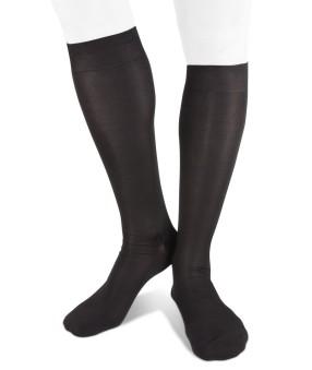 calze-lunghe-nere-in-seta-per-uomo