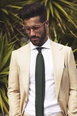 costume-beige-chemise-de-ville-blanc-cravate-vert-fonce-blanc-et-noir-large-4385